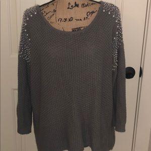 Beautiful Embellished 3/4 Sleeve Grey Sweater